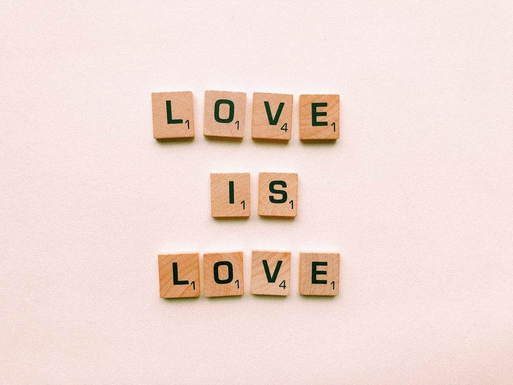 Apps er ikke kun til børn – brug dem til at finde kærligheden