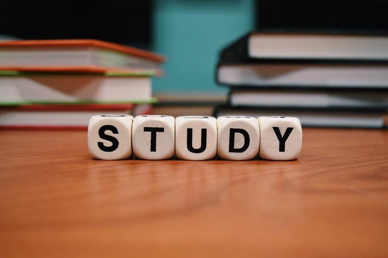 Hvordan man studerer: 9 studietips til forbedring af din læring